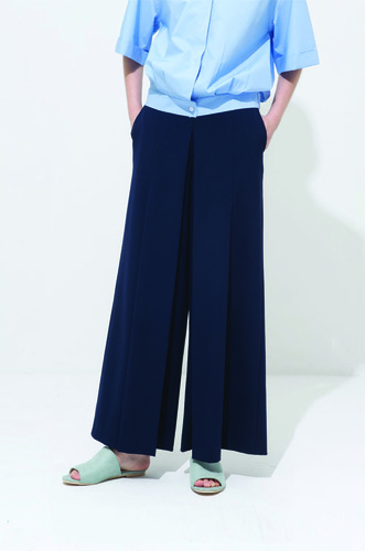 STRIGHT PLEATS PANTS